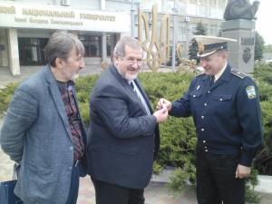 вручення Рефату Чубарову значка Спілки офіцерів України