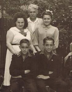 Наша родина у 1959 році у місті Станіславі, нині – Івано-Франківськ