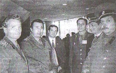 Делегати ІІ з'їзду полковники Р.Костюк, В.Мартиросян, капітан-лейтенант І.Тенюх,  полковник В.Лазоркін